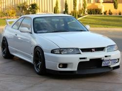 Skyline GTR33